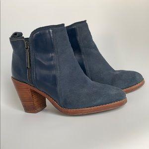 Matt Bergson blue suede booties size 7.5